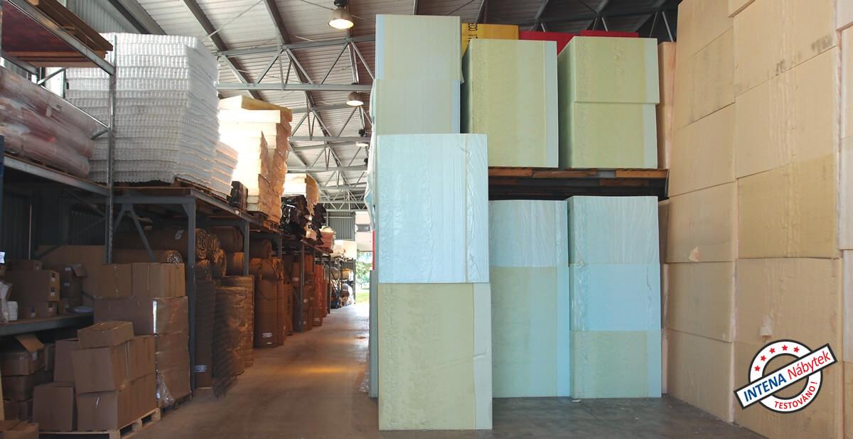 Sklad materiálu - jak se vyrábí matrace